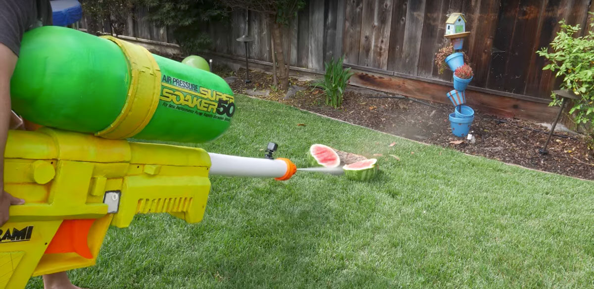Biggest Super Soaker Gun 4 (1)