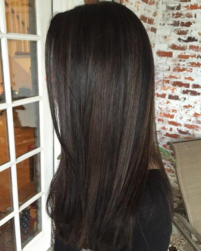 rsz_f2eccb582ba0780331bd569245dcd5cf--brown-balayage-brunette-balayage-hair-dark-natural-brown