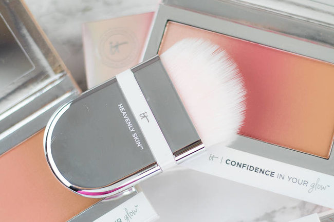 rsz_it-cosmetics-confidence-in-your-glow-palettes-wwwbeingmelodycom-5-of-9-800x533