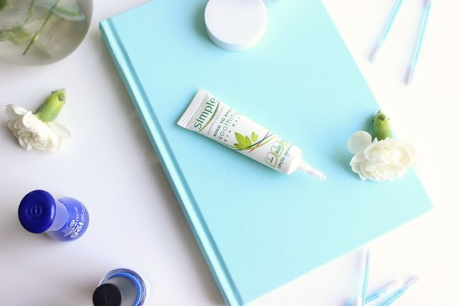 rsz_simple_kind_to_eyes_soothing_eye_balm_review_2