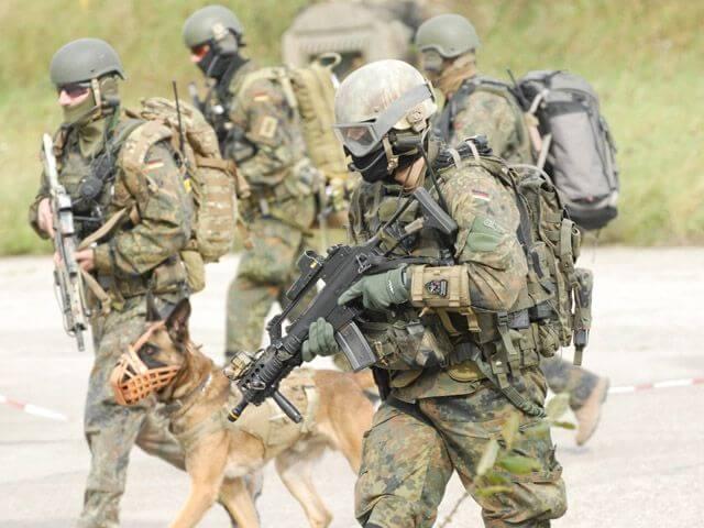 special forces uniform 28 (1)