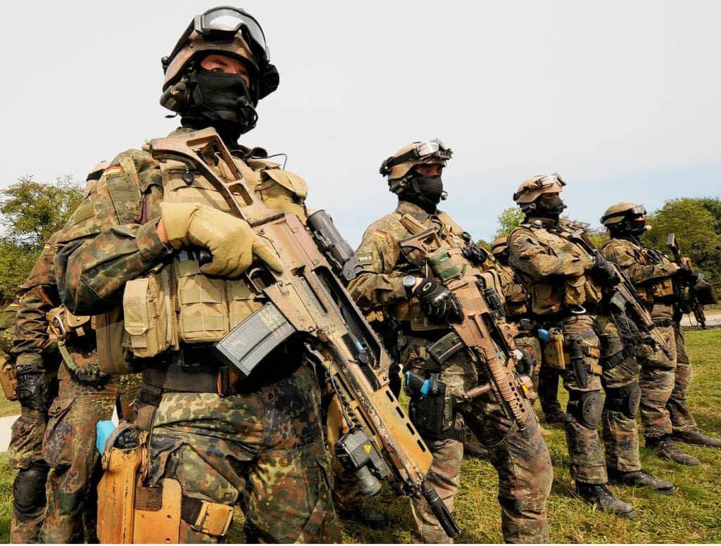 special forces uniform 29 (1)