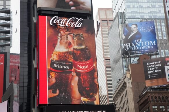 Coca Cola World's First 3D Robotic Sign in Times Square 4 (1)