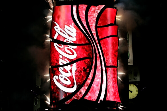 Coca Cola World's First 3D Robotic Sign in Times Square 6 (1)