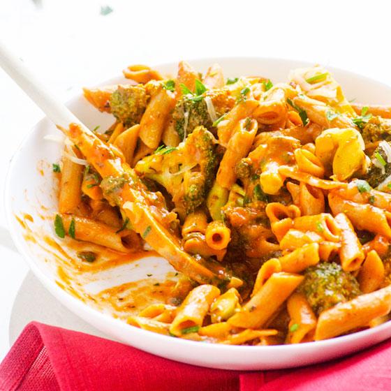 FG-healthy-creamy-penne-broccoli-recipe