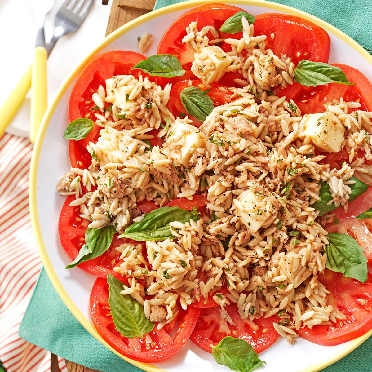 Orzo-Tuna-Salad-with-Tomatoes_exps99531_TH2847295C02_28_2bC_RMS