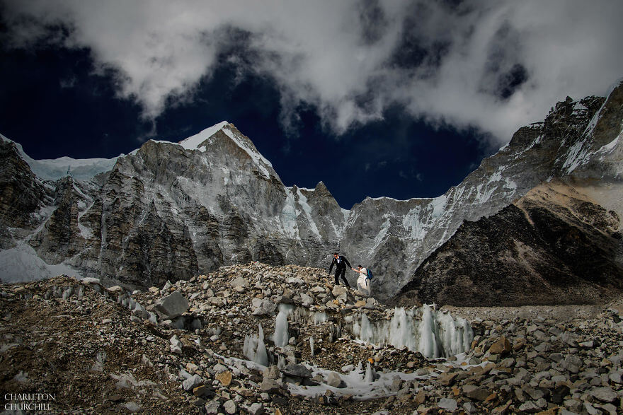 couple gets married on mount everest 10 (1)