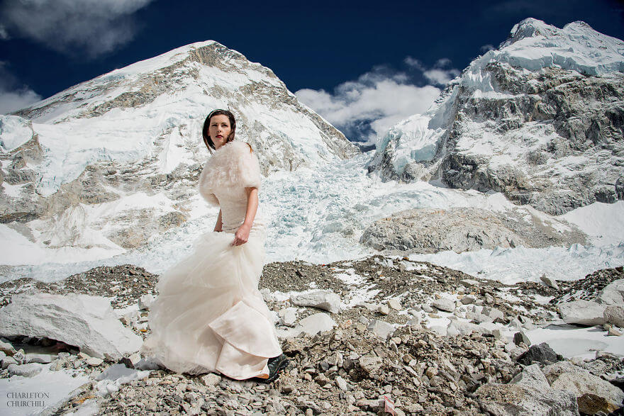 couple gets married on mount everest 11 (1)