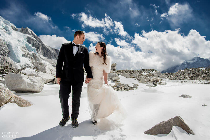 couple gets married on mount everest 12 (1)