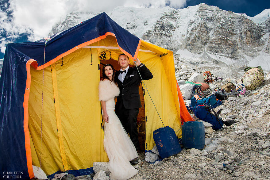 couple wedding photos on mount everest 13 (1)