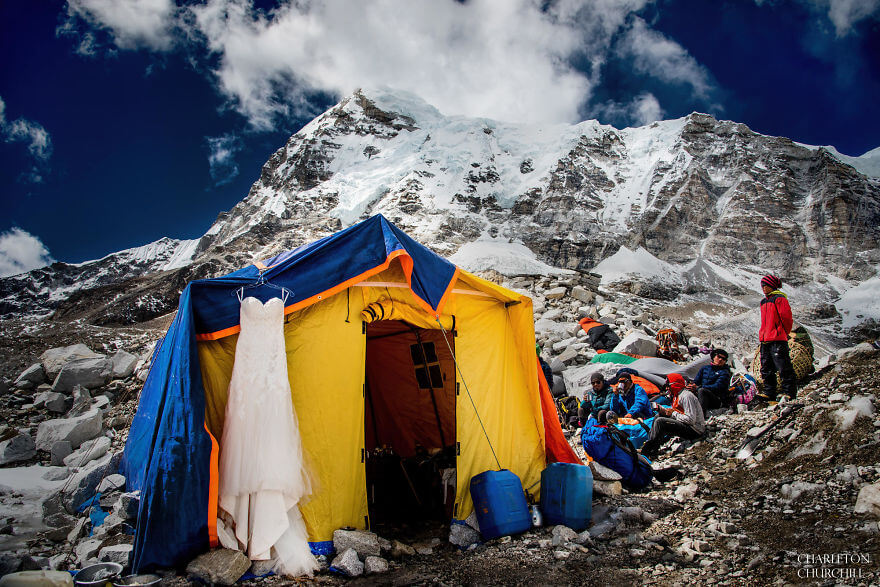 couple gets married on mount everest 16 (1)