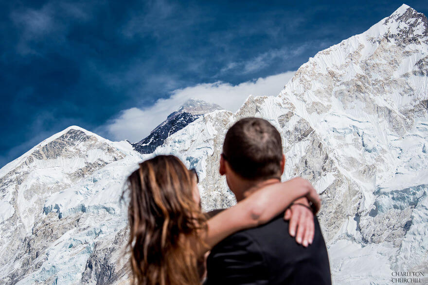 couple wedding photos on mount everest 6 (1)