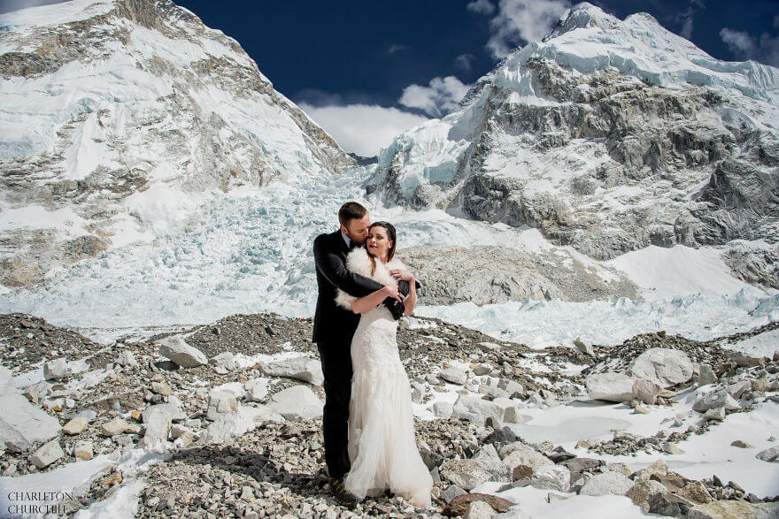 couple wedding photos on mount everest 7 (1)