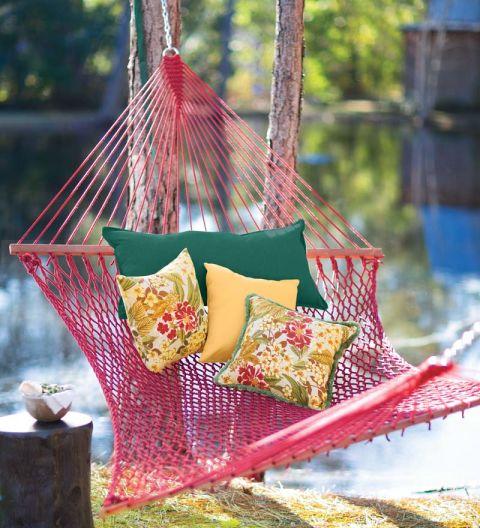 plowhearth-weather-resistant-rope-hammock
