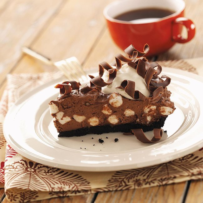 rsz_chocolate-pie-with-marshmallows_exps18350_rds2004272a07_26_1bc_rms