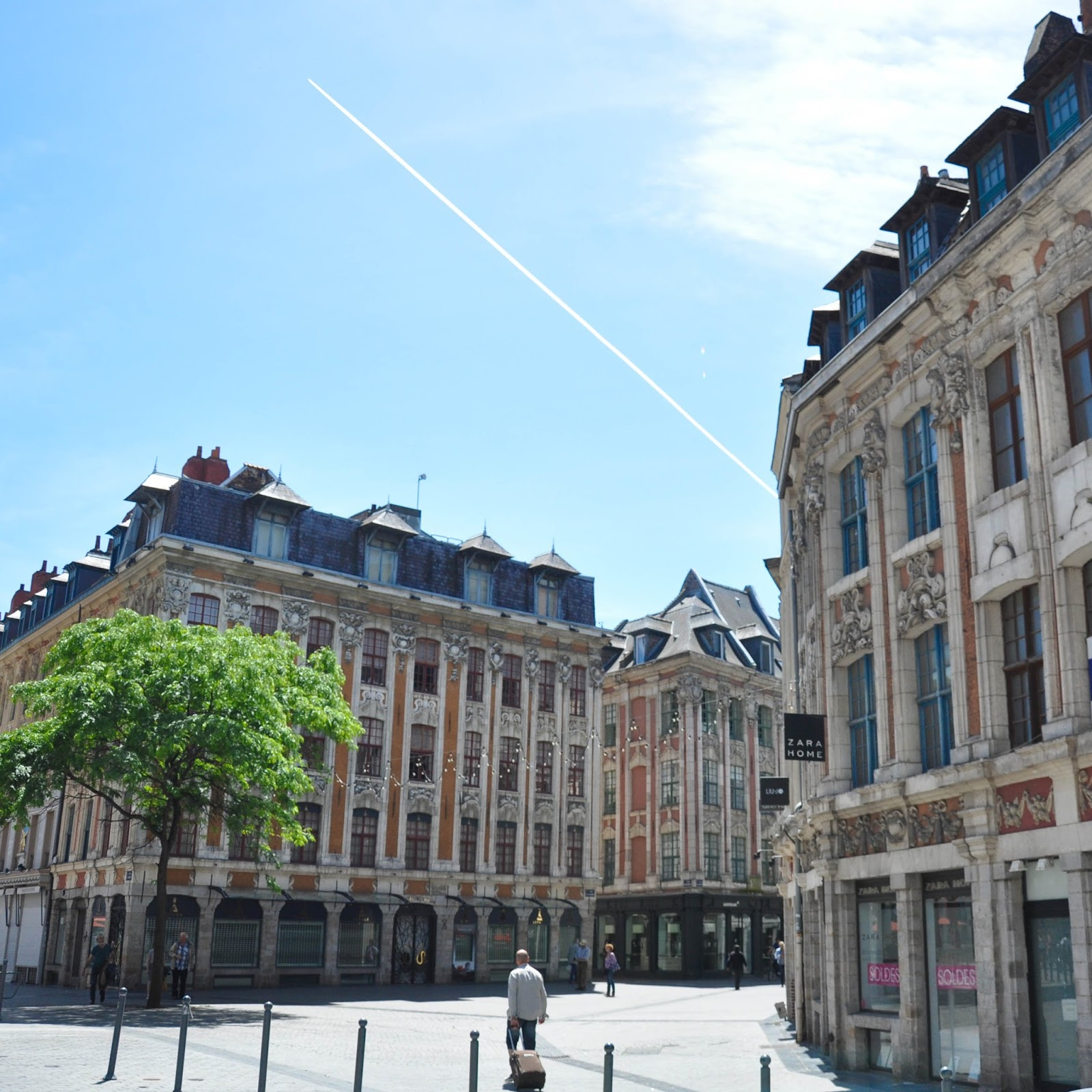 Square with a plane, Lille, France