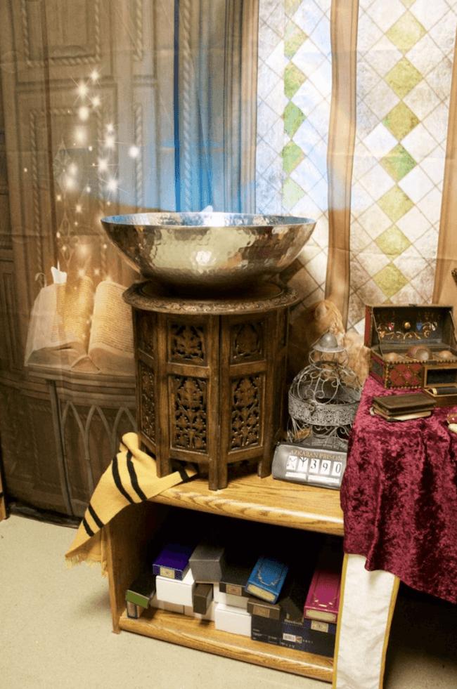 teacher transforms classroom into harry potter theme world 10 (1)