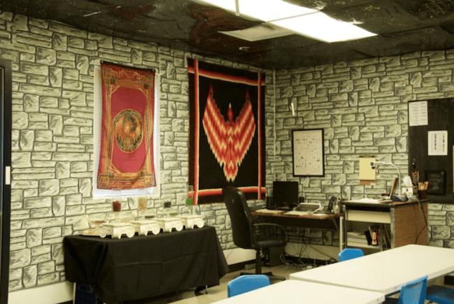 teacher transforms classroom into harry potter theme world 13 (1)