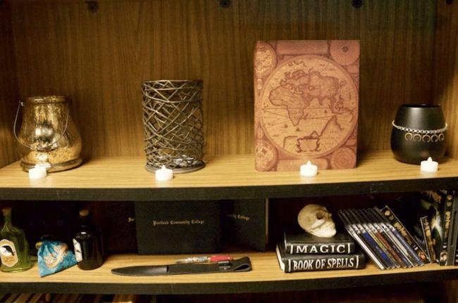 teacher transforms classroom into harry potter theme world 14 (1)