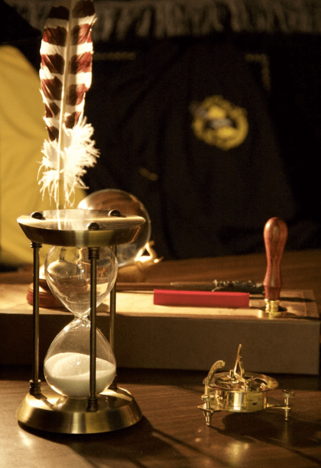 teacher transforms classroom into harry potter theme world 21 (1)