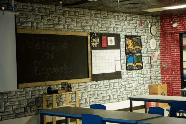 teacher transforms classroom into harry potter theme world 26 (1)