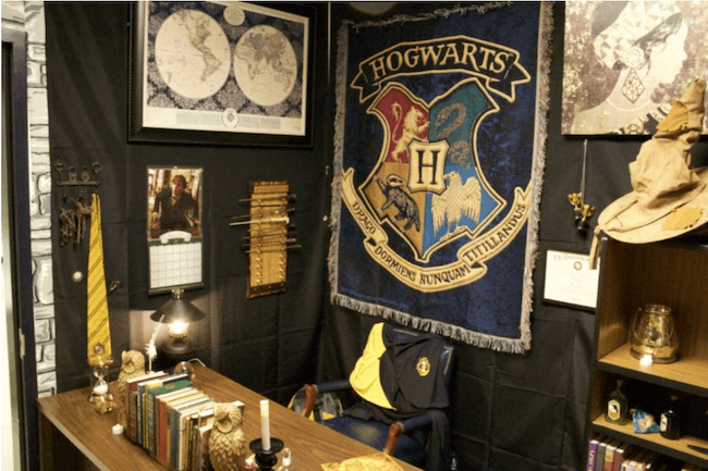 teacher transforms classroom into harry potter theme world 27 (1)
