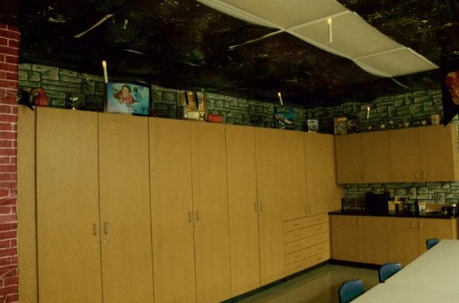 teacher transforms classroom into harry potter theme world 6 (1)