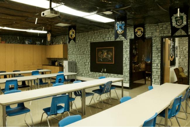 teacher transforms classroom into harry potter theme world 9 (1)