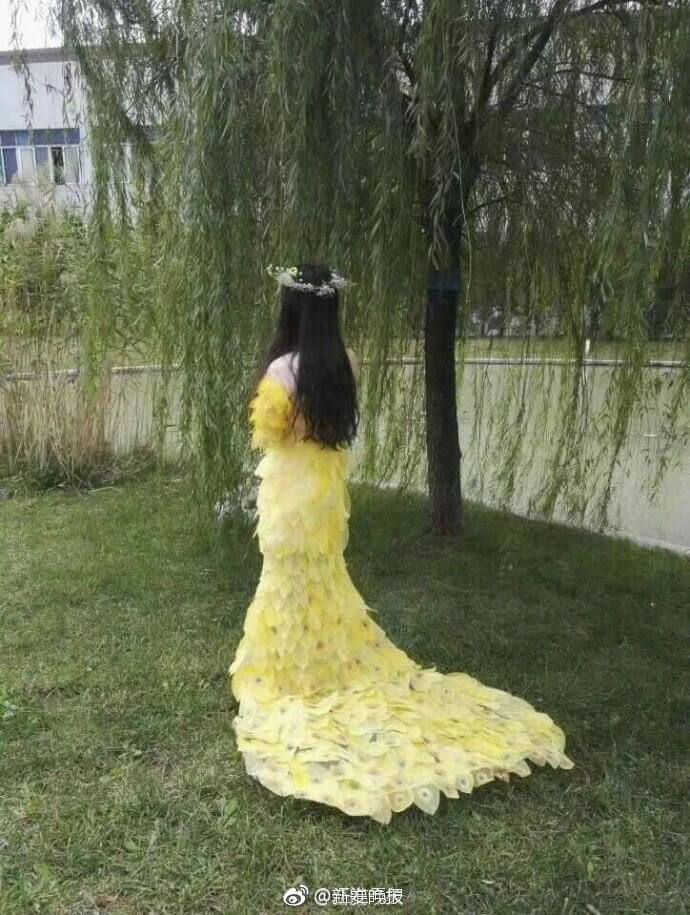 6000 leaves dress for prom 7 (1)