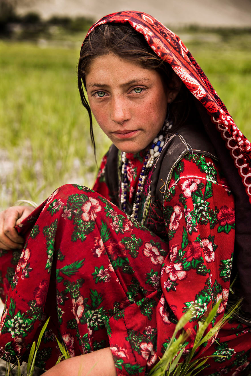 Mihaela Noroc women in 60 countries 7 (1)