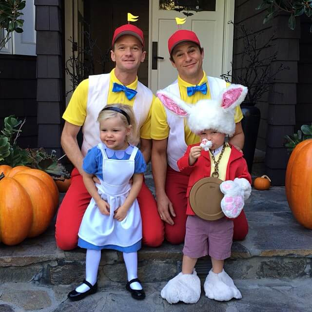Neil Patrick Harris and family own Halloween 6 (1)