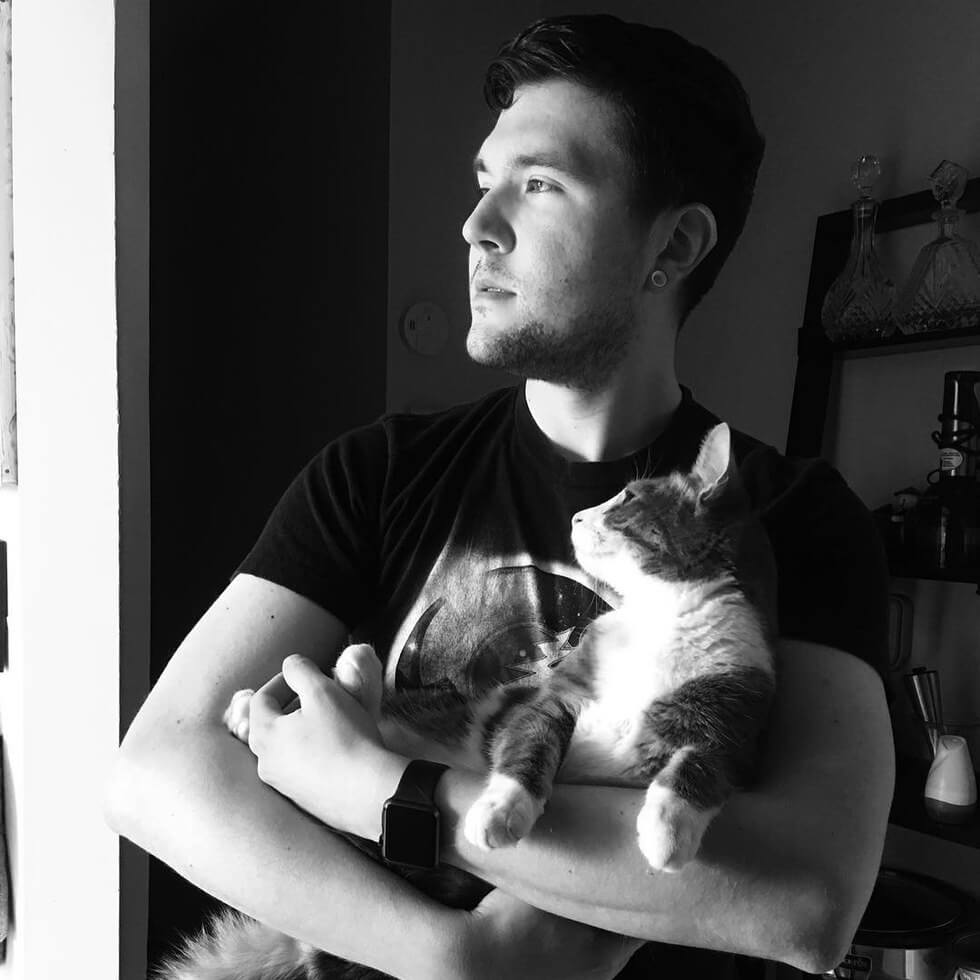 man takes pictures with every cat he meets 3 (1)