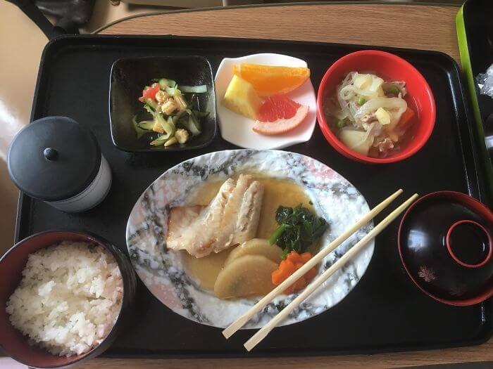 woman giving birth in japan shows amazing hospital food 11 (1)