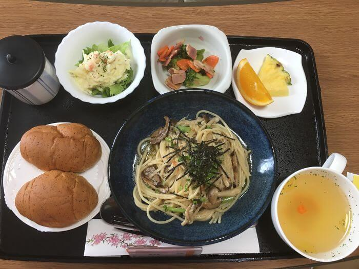 woman giving birth in japan shows amazing hospital food 2 (1)