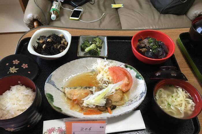 woman giving birth in japan shows amazing hospital food 9 (1)