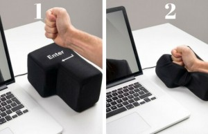huge punchable usb connected enter key feat (1)