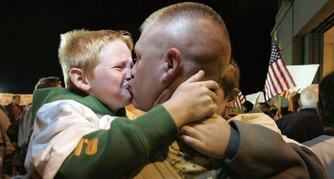 23 touching photos of soldiers returning home from war