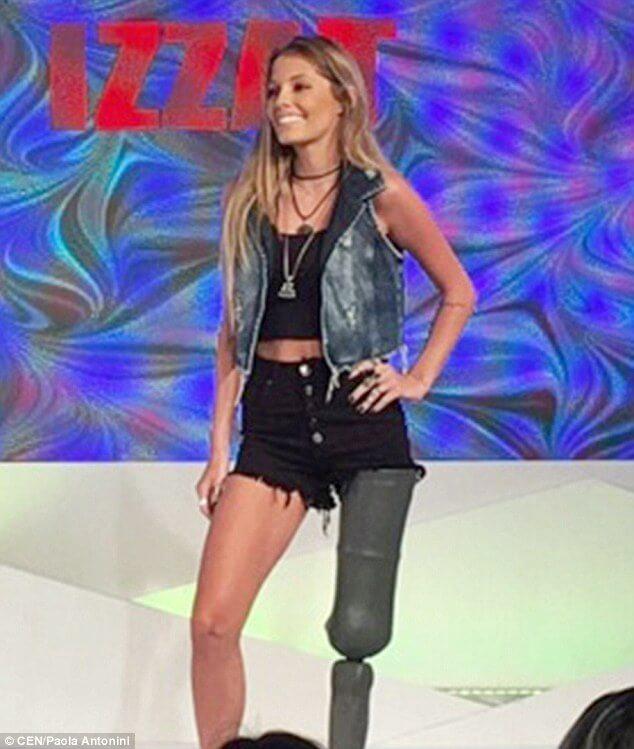 Paola Antonini amputee model 12 (1)