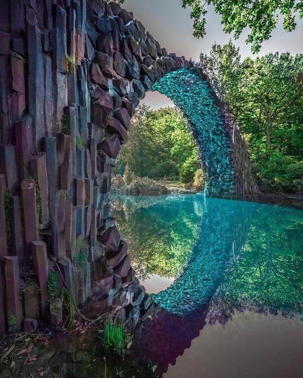 Rakotzbrucke Devil's Bridge - color reflection