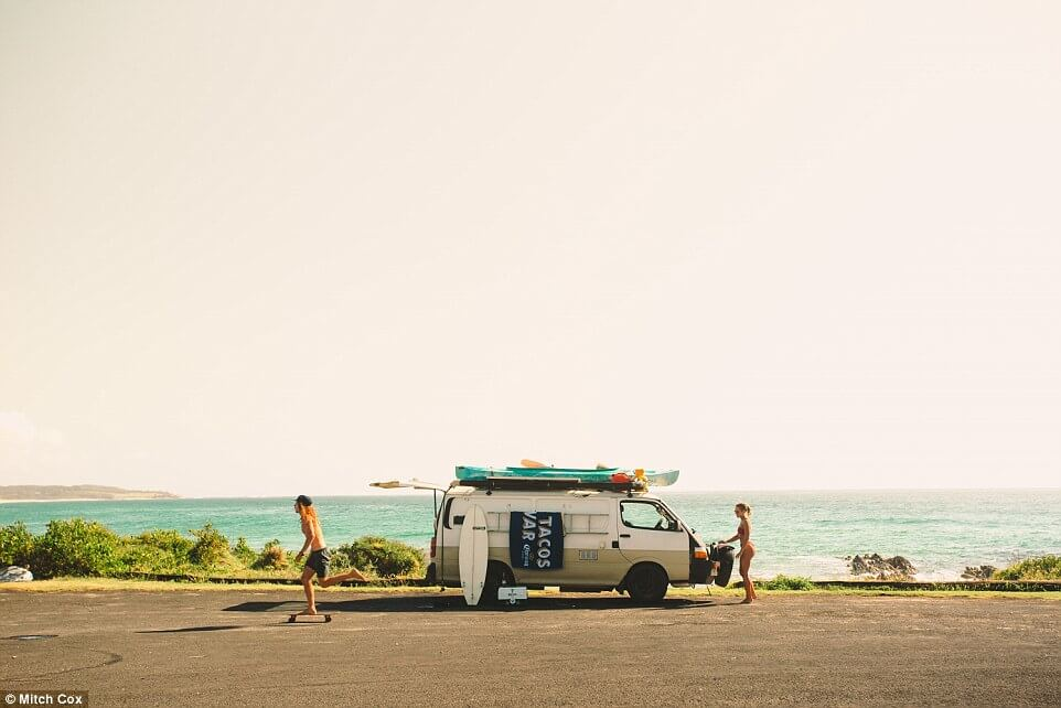 couple travel 100000 kilometers in australia with a van 11 (1)