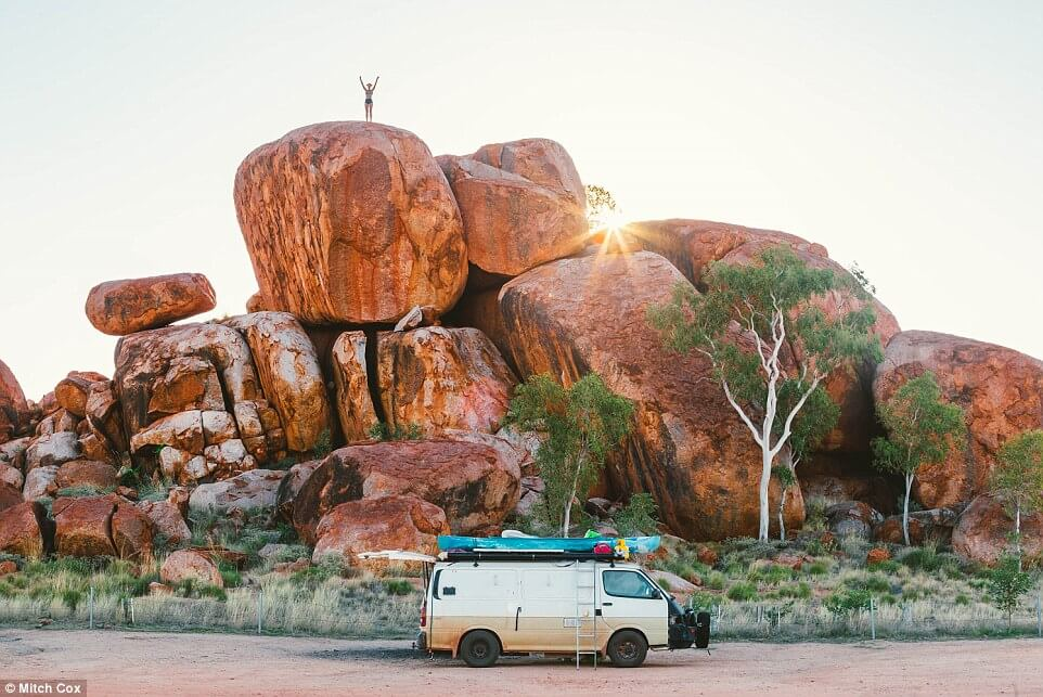 couple travel 100000 kilometers in australia with a van 13 (1)