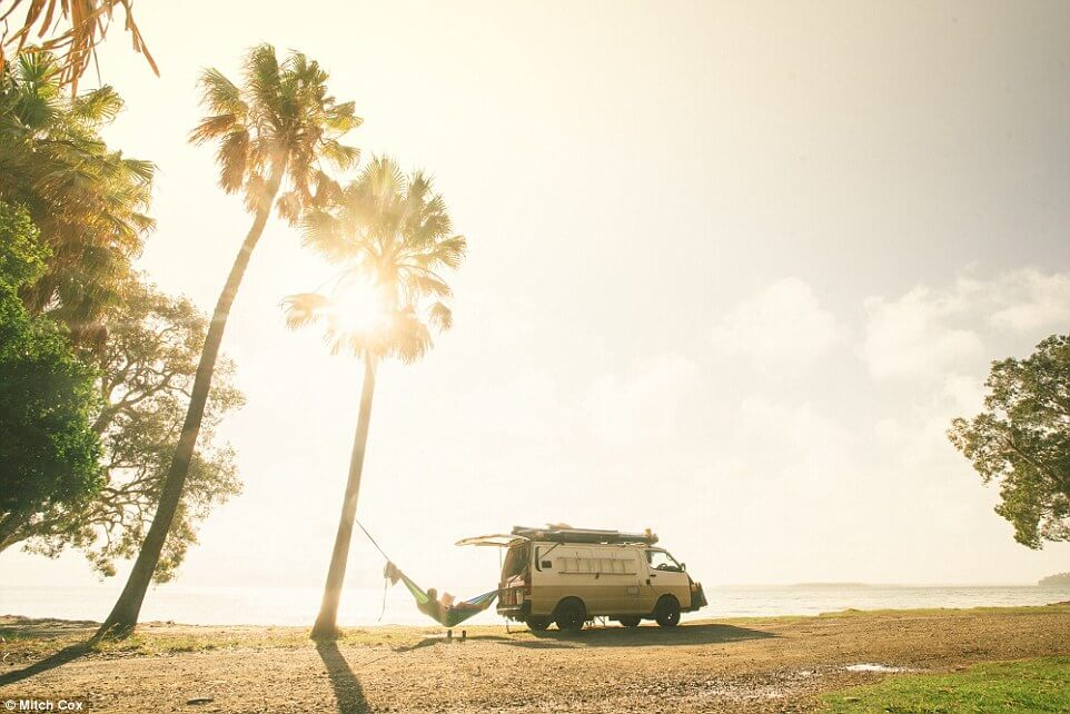 couple travel 100000 kilometers in australia with a van 18 (1)