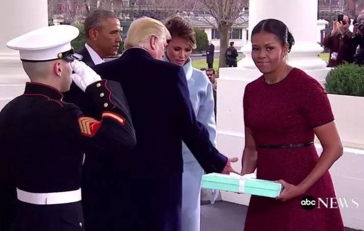 melania trump mystery gift to michelle obama 2