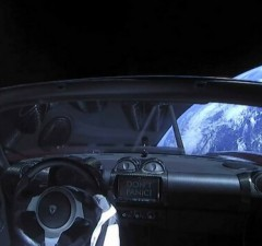 tesla roadster in space feat good (1)