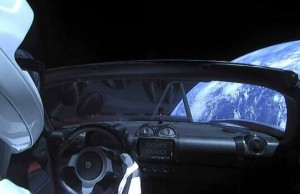 tesla roadster in space feat good (1)