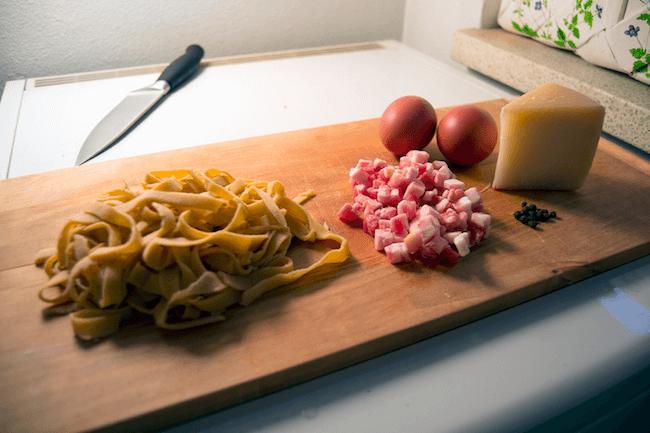 easy Carbonara pasta recipe 6 (1)