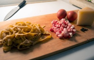 easy pasta carbonara recipe feat (1)