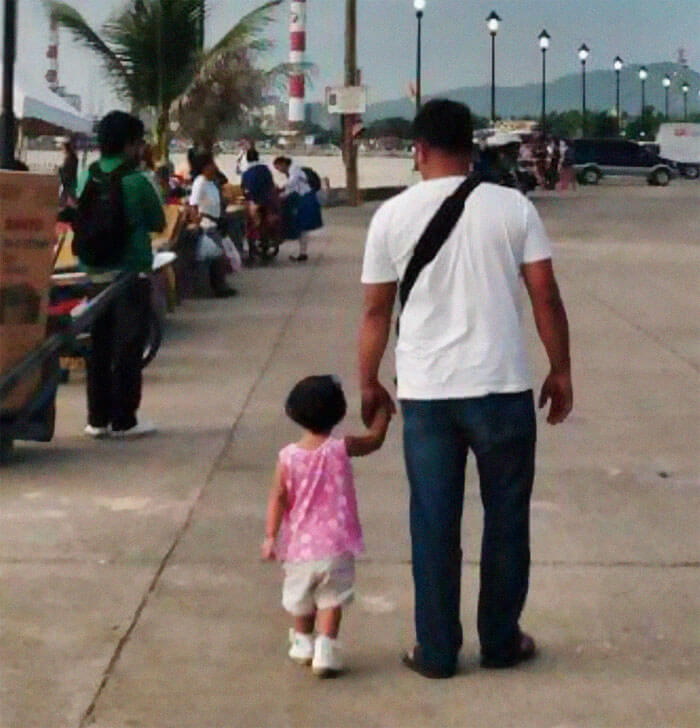 father daughter holding hands pics 1 (1)