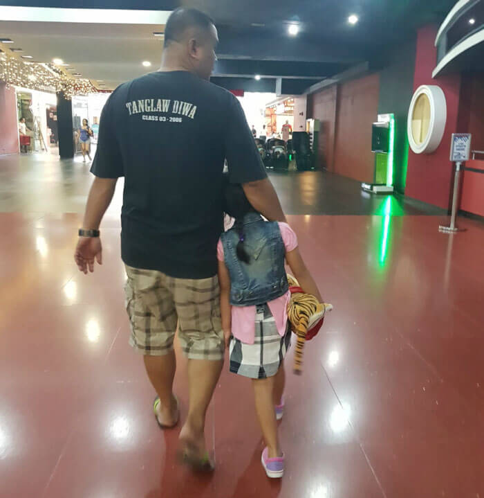 father daughter holding hands pics 14 (1)