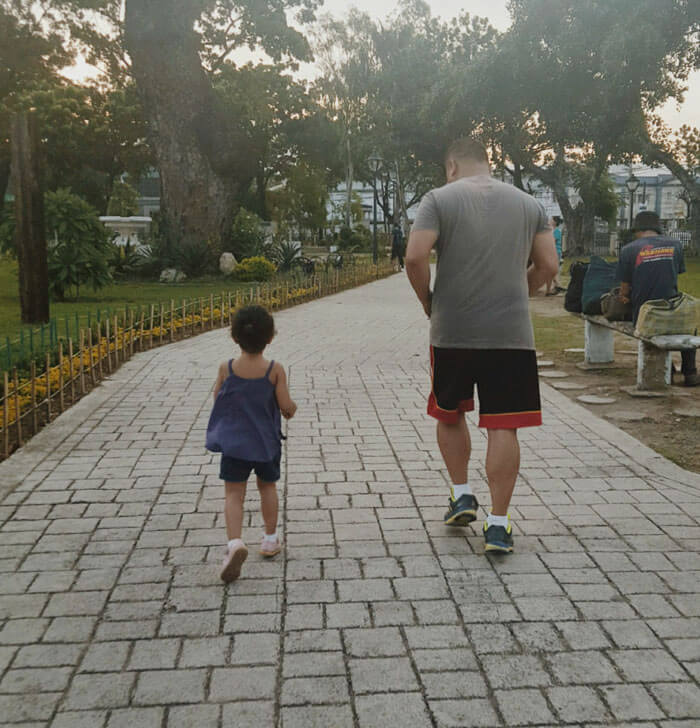 father daughter holding hands pics 3 (1)